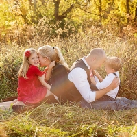 fall family 3 cincinnati family photographer 200x200 Families